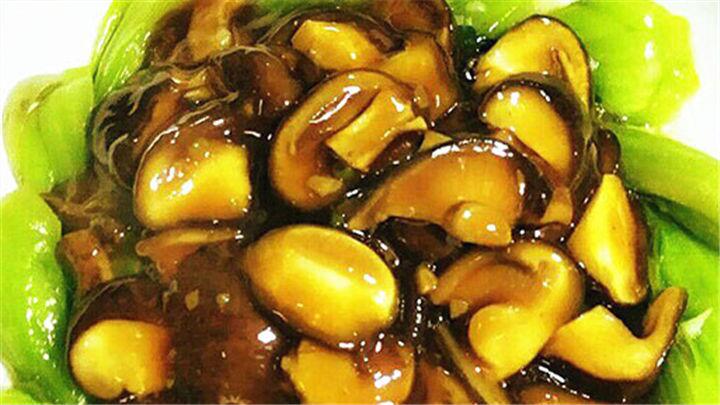 香菇扒油菜|天生绝配,好吃经典没道理