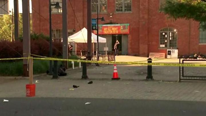 美国新泽西州文化活动现场发生枪战 至少1死20伤