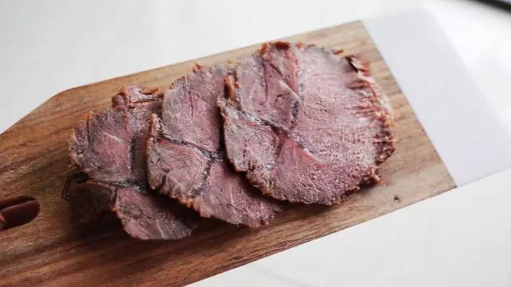超级好吃的家庭自制卤牛肉