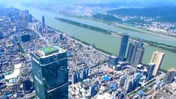 芙蓉区:老长沙登临452米高空看新变化
