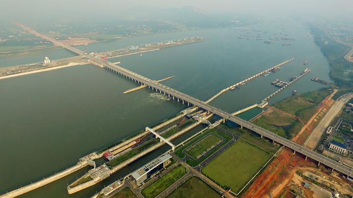 湘江长沙综合枢纽开展船舶污染防治专项整治