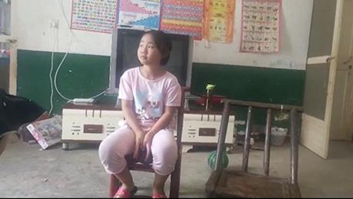 """父遭车祸昏迷在床母亲智力残疾,长沙 10 岁小女孩期待再成""""小公主"""""""