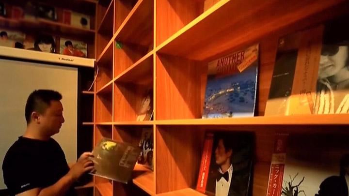 宁乡80后收藏黑胶唱片2万余张