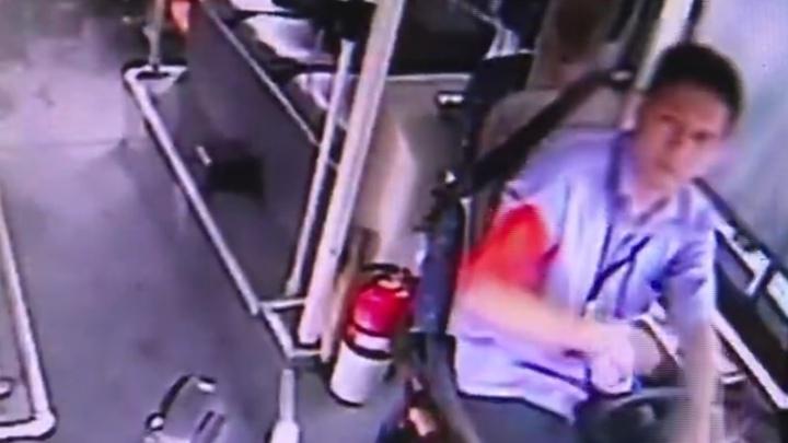 错把油门当刹车撞上施工人员  公交司机因过失杀人获缓刑3年