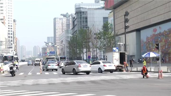 长沙交警优化五一商圈交通空间,多项措施保障人车通畅