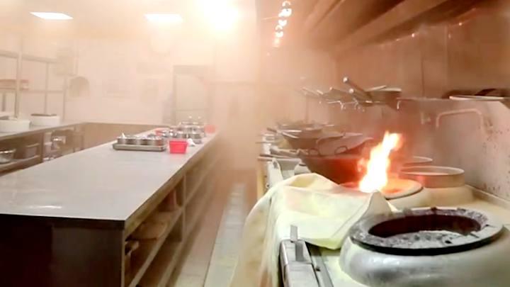 酒店厨房突然起火?别惊慌!是消防应急演练太逼真