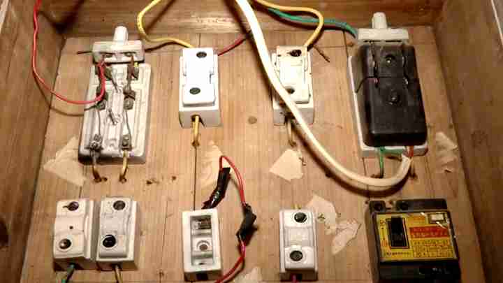 女子出租房内洗澡时触电身亡 家属质疑:没有加装防漏电装置