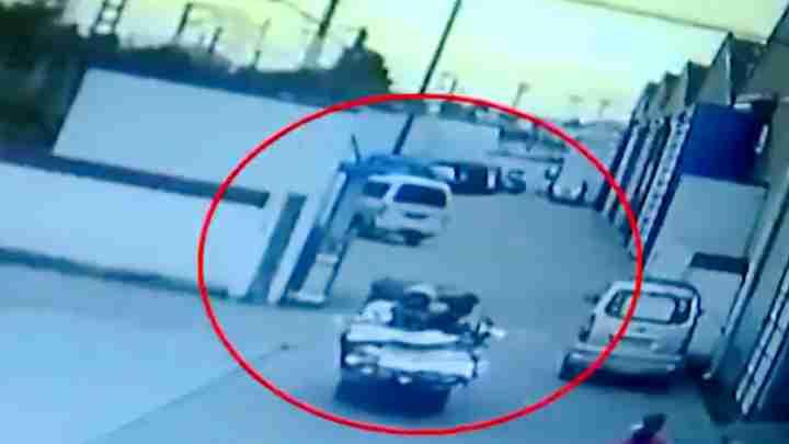 父亲驾驶三轮车肇事逃逸 竟教唆儿子佯装路人报警