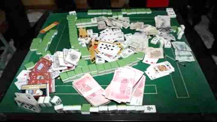 点钞机点钞、一晚输赢数10万!麻将馆藏身茶楼通宵扰民还涉赌