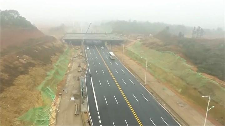 """建筑垃圾""""变废为宝""""!长沙率先全国在高速公路项目应用再生水稳材料"""