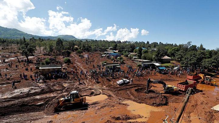 巴西矿坝决堤事故死亡人数升至34人