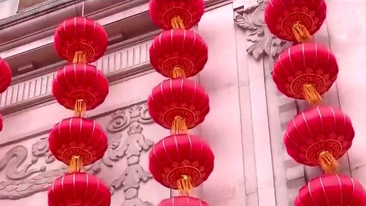 """张灯结彩迎新年丨宁乡:添""""新装""""过新年 城区尽飘喜庆红"""