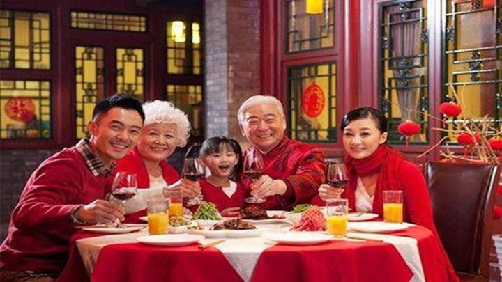 节日市场促销活动丰富多彩,住宿餐饮较为火爆
