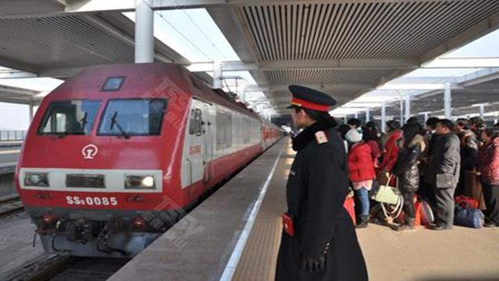 节后铁路春运客流快速攀升 7日预计发送旅客942万人次