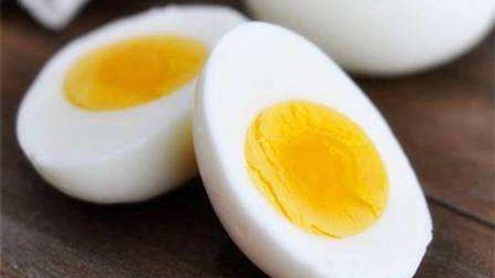 """煮鸡蛋有讲究 鸡蛋煮太久好脂肪会""""变坏"""""""