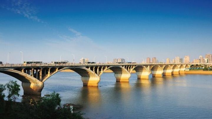 司机快看!橘子洲大桥提质改造,3月28日、4月1日两天24时至次日6时实施交通限制措施