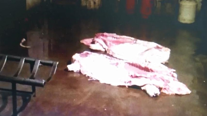 """夫妻俩屠宰售卖""""白板肉"""",涉嫌非法经营罪被刑拘"""