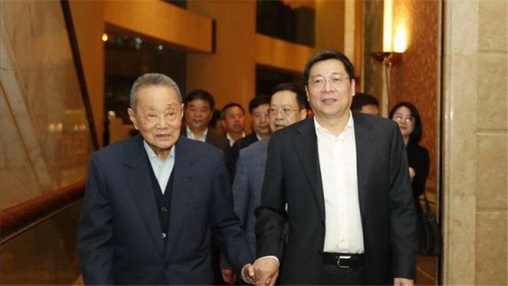 杜家毫会见嘉里集团创始人郭鹤年