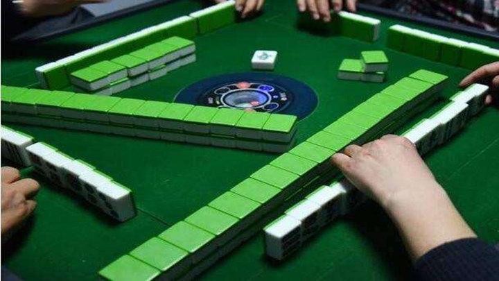公司面试要求打麻将!网友:你敢胡嘛?