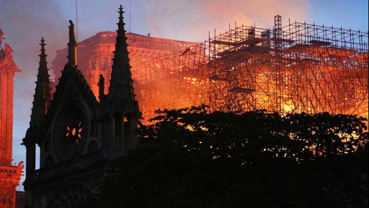 揪心!大火后,法国巴黎圣母院的文物......再见它或是十年后