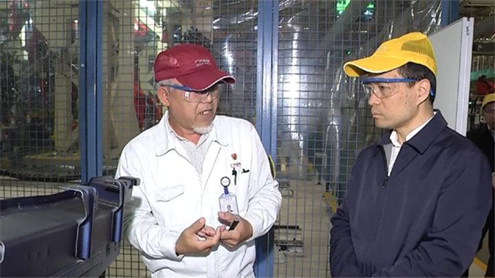 市领导调研长沙经开区产业项目投资及经济运行工作情况