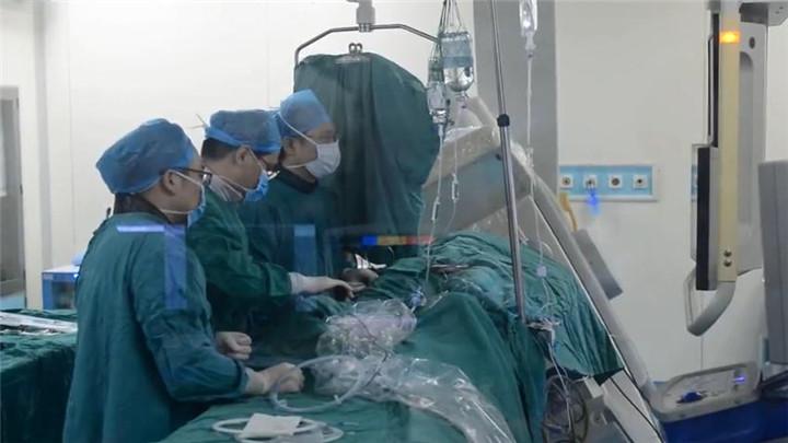 """湖南首例!""""可吸收支架""""植入手术成功实施"""