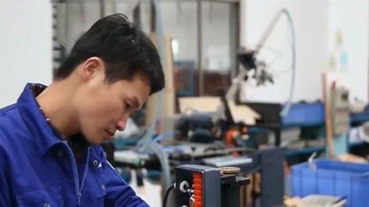 最美劳动者 | 刘志军:精益求精 追求1/5头发丝精度的工装标准