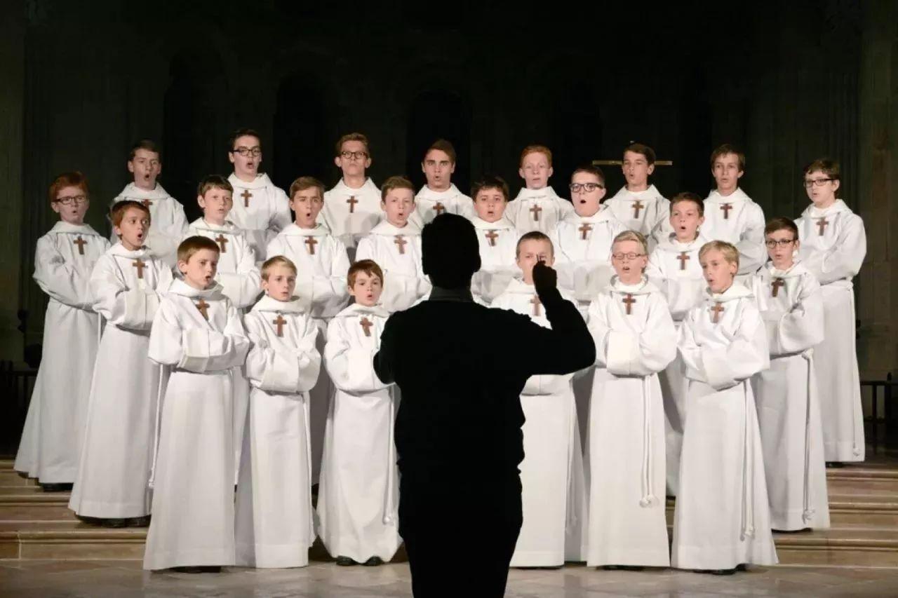 巴黎男童 巡演80多个国家的纯粹之声