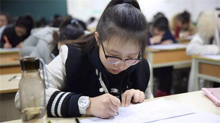 """突破""""备考高原期""""专家支招:临考前两周按高考作息规律来执行"""