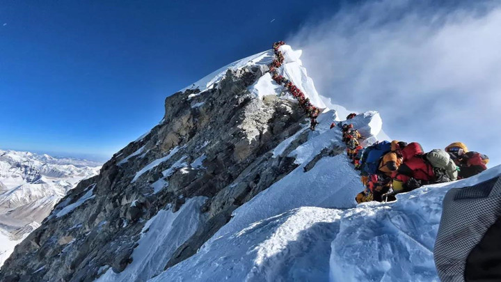 致命拥堵! 两周十余人命丧珠峰 背后原因是什么?