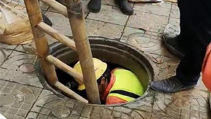 担心的事又发生了!3岁幼童下雨天掉入下水道,下落不明