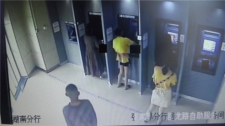 外卖送晚了别生气,外卖小哥可能追劫匪去了!(附监控视频)