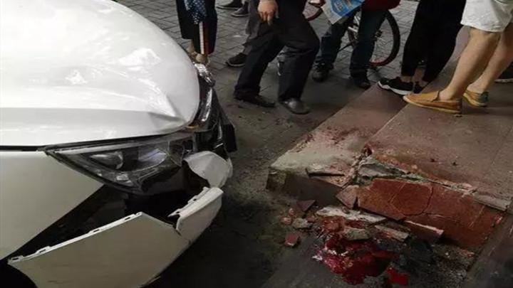 滴滴司机冲撞路人被约谈:6月底前清退无资质车辆