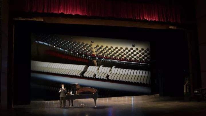 让我们一起走进音乐天才莫扎特的艺术课堂