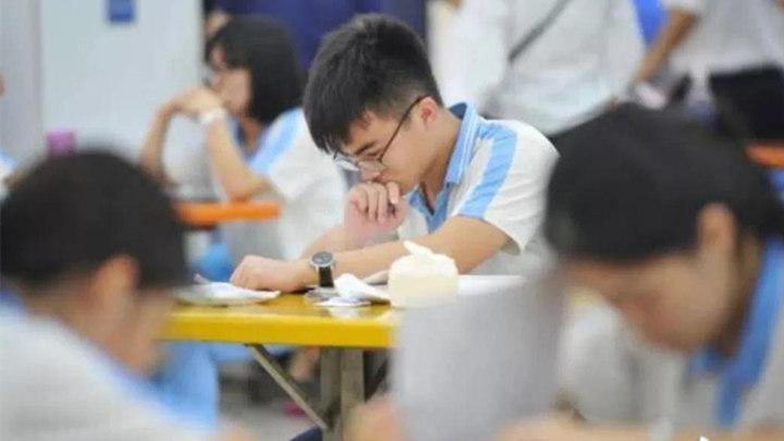 广东917名异地转入考生考号连续,是否为高考移民?回应来了