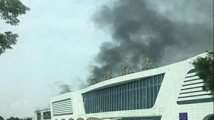 天津南站附近一高铁桥下起火:无人员伤亡 多列车晚点