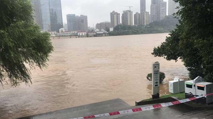 受持续降雨影响,橘子洲景区发布临时闭园通知