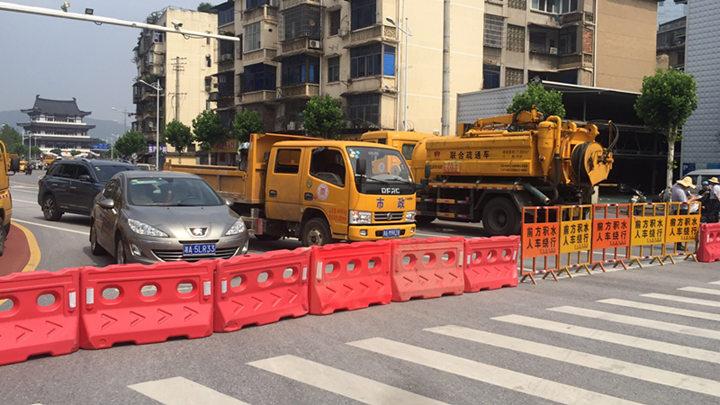 西湖路书院路口至湘江中路口已经封闭