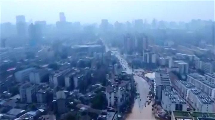独家V视 | 防汛一线②西湖路高排管溢水 天心市政紧急行动