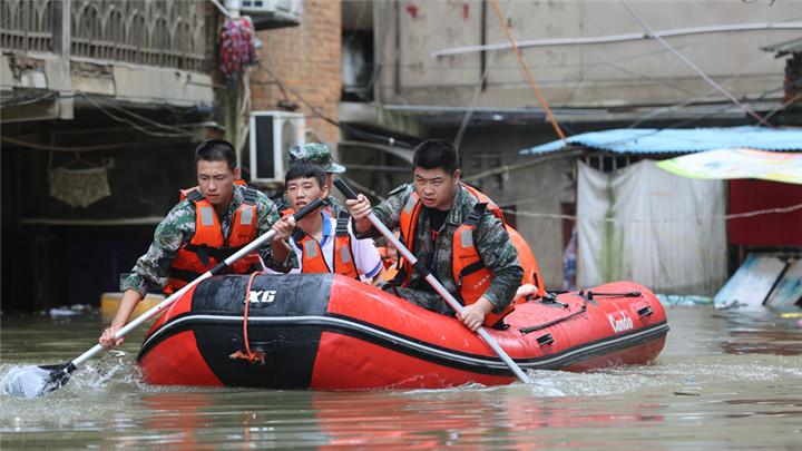 央媒看湖南丨危急时刻,他们向水而行