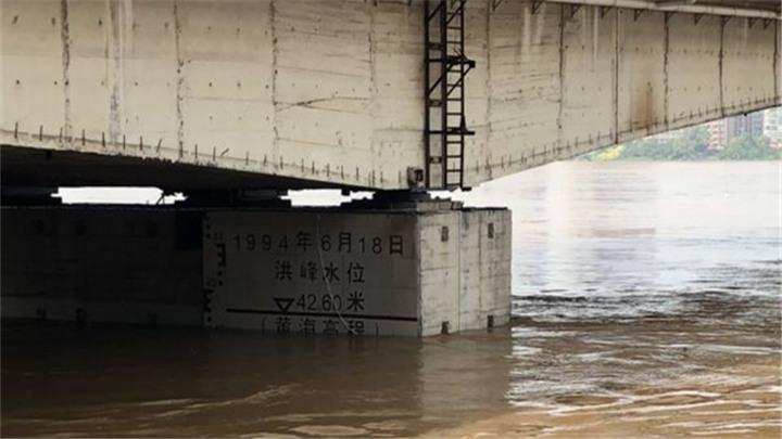 11日上午湘江水位开始缓慢回落,洪峰已经退出株洲段