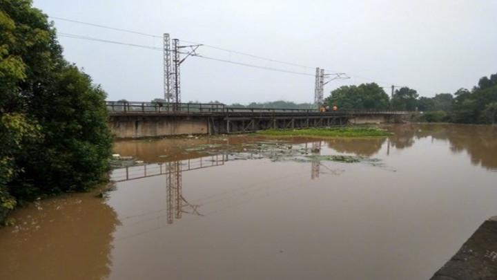 京广线部分区间水位超警戒值已被临时封锁 途经列车晚点