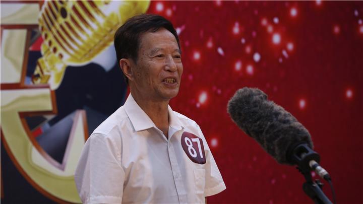 老爸老妈唱起来特色选手:这是唱的gui际锅?