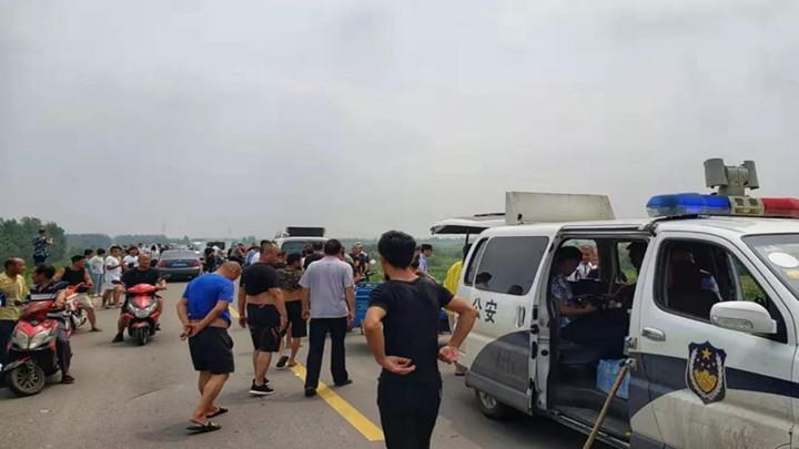 突发!沈阳一出租车被劫,嫌疑人逃进玉米地,百名民警正在搜捕!现场曾鸣枪示警