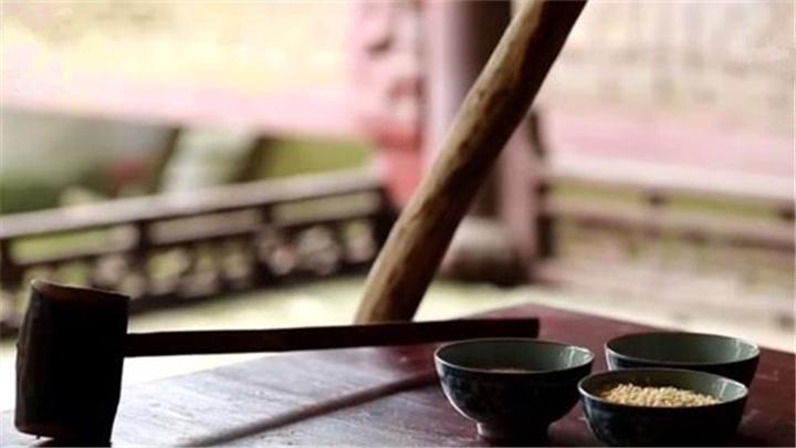 沩山擂茶:擂棍飞旋 茶飘香