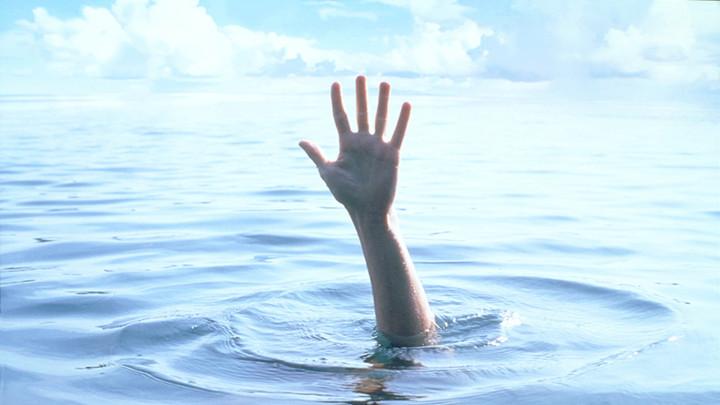 突发!星沙松雅湖19岁男孩游泳溺亡,急寻家属