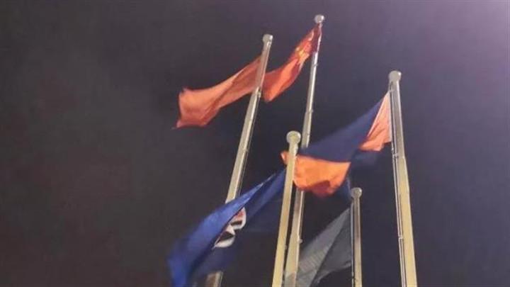 香港海港城,五星红旗重新升起!