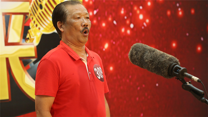 骏丰频谱老爸老妈唱起来:309号选手李冬祥