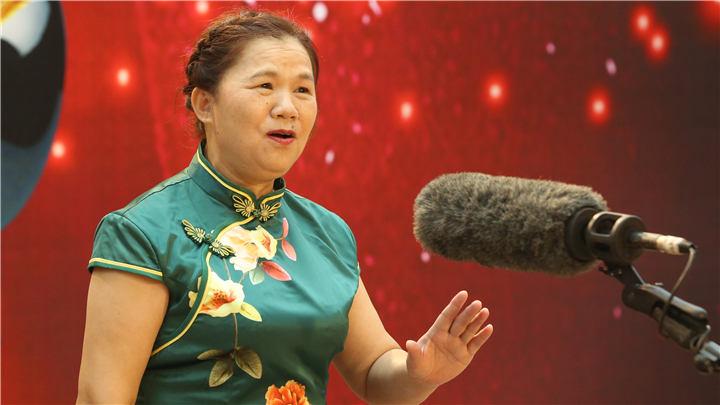 骏丰频谱老爸老妈唱起来:422号选手胡青莲