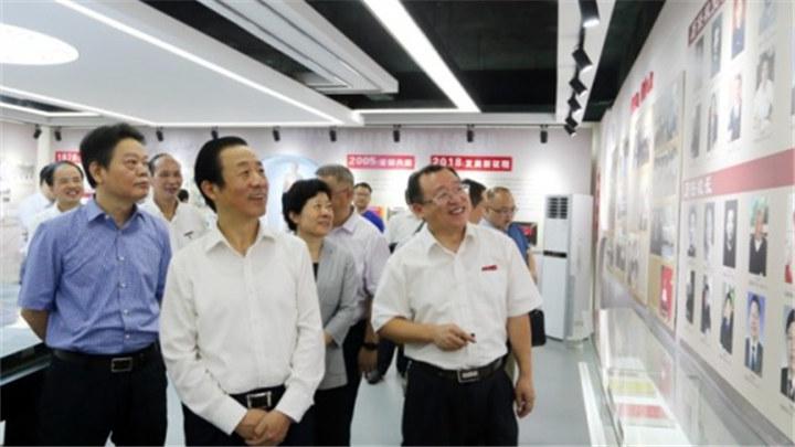 许达哲在湘潭大学调研